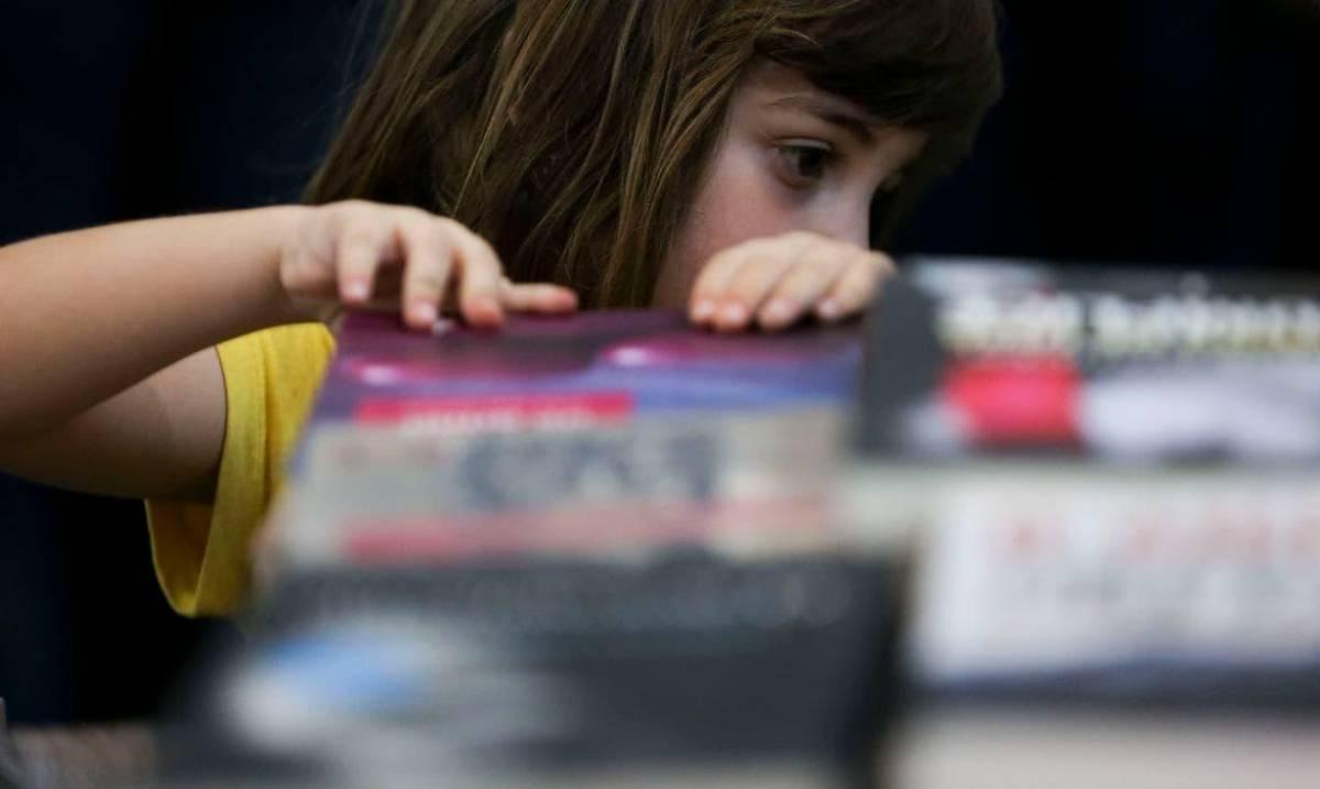 Governo não tributa bancos e grandes fortunas, mas quer taxar livros