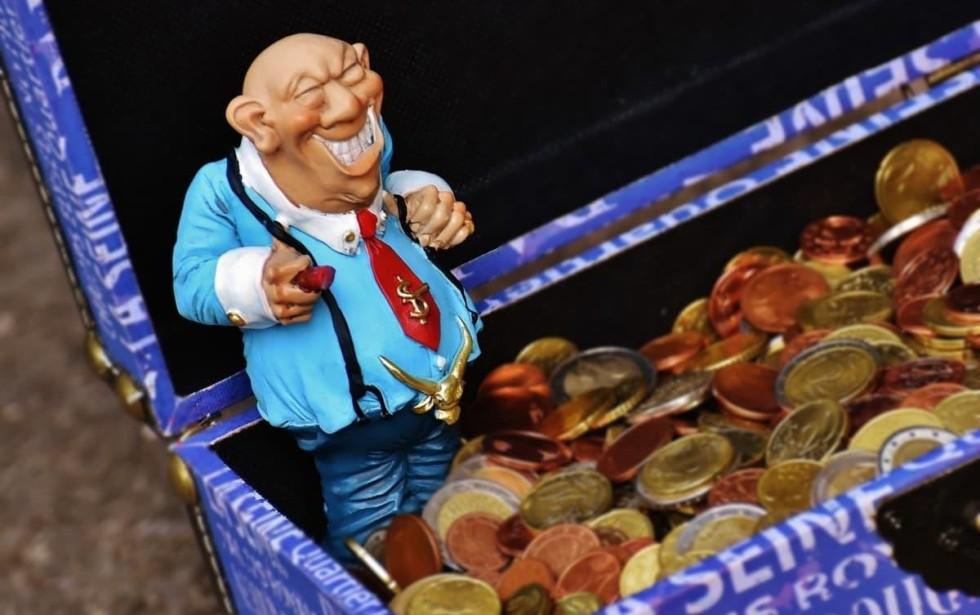 [Governo quer ceder reservas de fundos de pensão aos banqueiros]