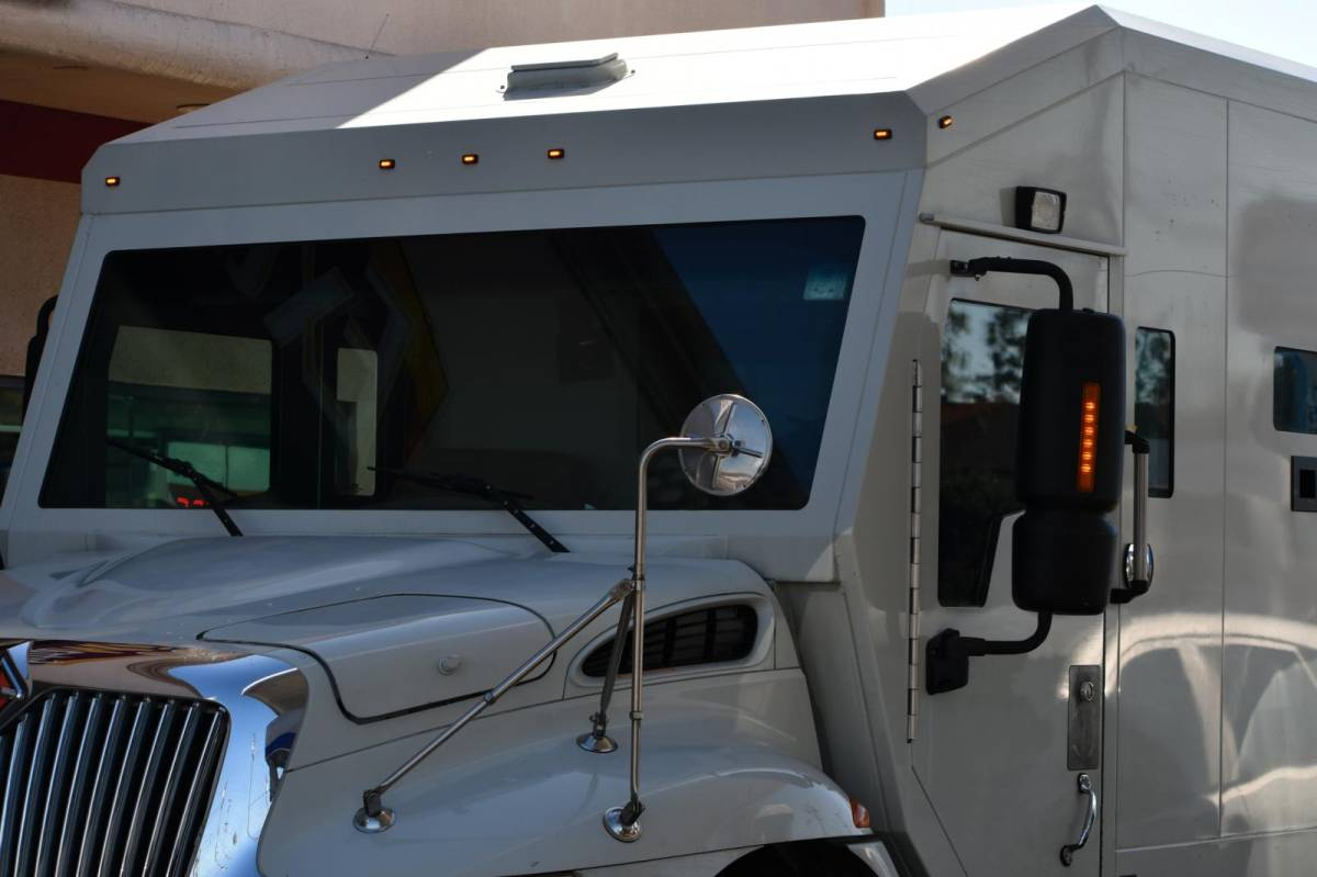 Vigilante obtém condenação de 3 bancos por serviços em carro-forte