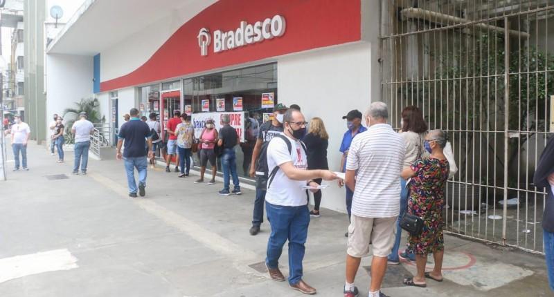 Bradesco lucra R$ 6,5 bilhões no trimestre, aumento de 73,6%