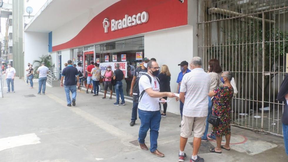[Bradesco lucra R$ 6,5 bilhões no trimestre, aumento de 73,6%]