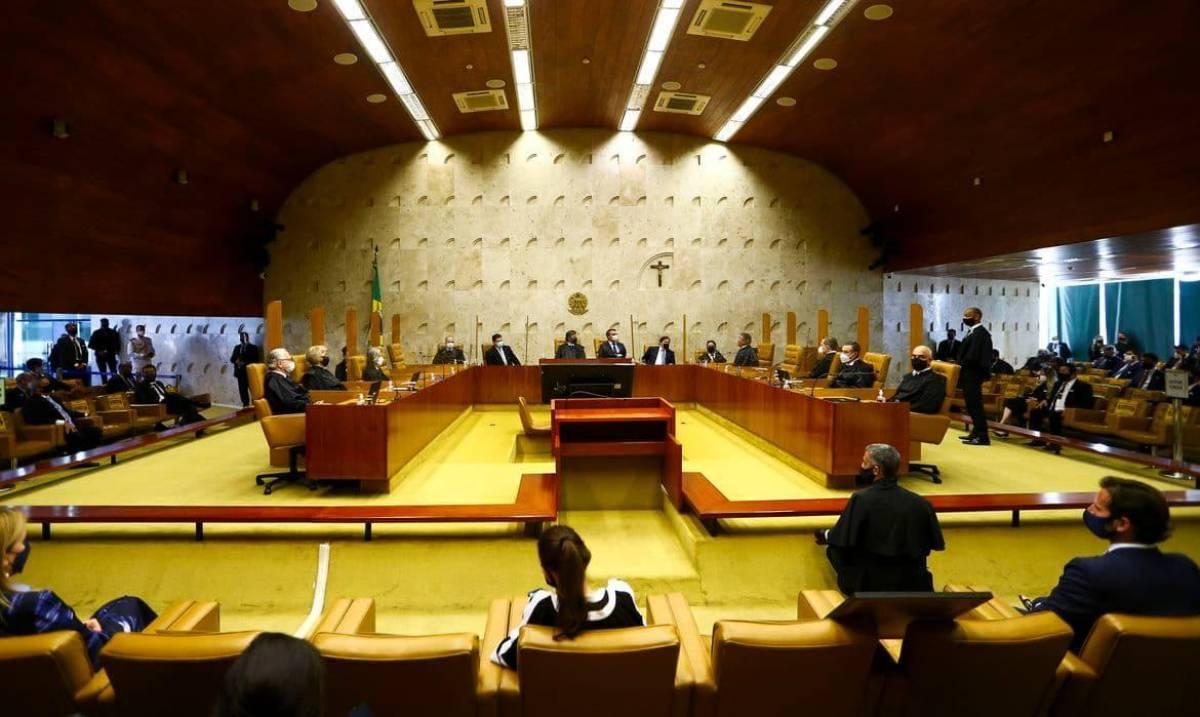 STF tem 3 votos para liberar demissão em massa sem acordo coletivo