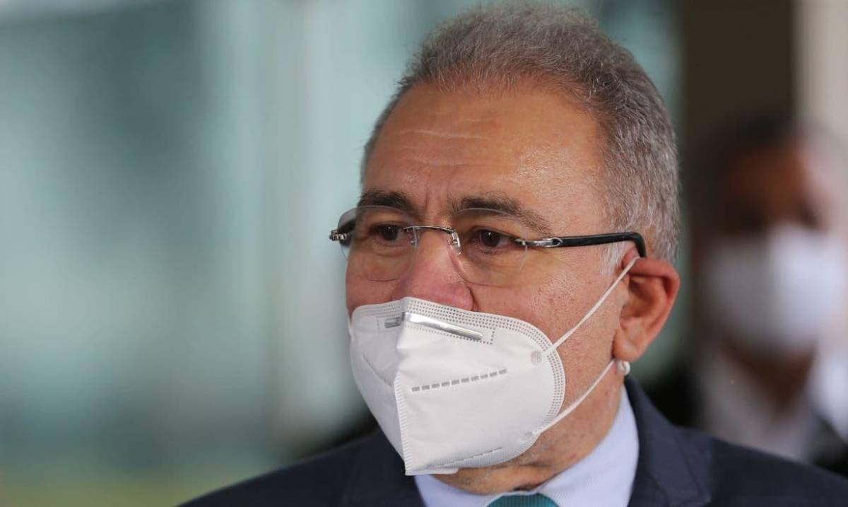 Ministro da Saúde recebeu pedido de prioridade de vacinação para bancários