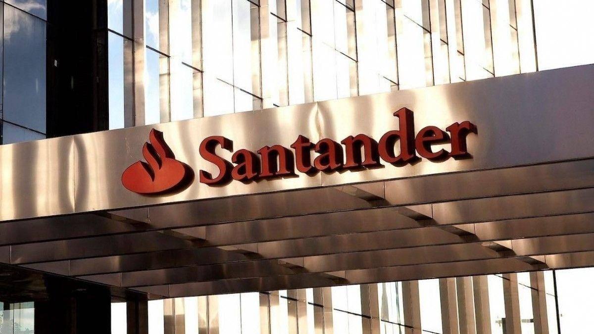 Santander suspende ampliação de horário de atendimento nas agências