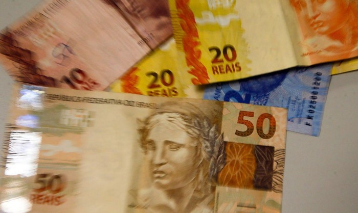 "O ""milagre econômico"" que só existe na cabeça de Bolsonaro"