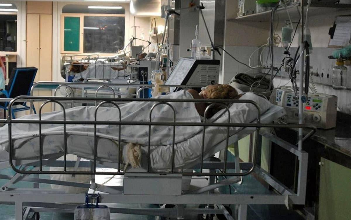 Brasil passa de 570 mil mortes com média diária de 833