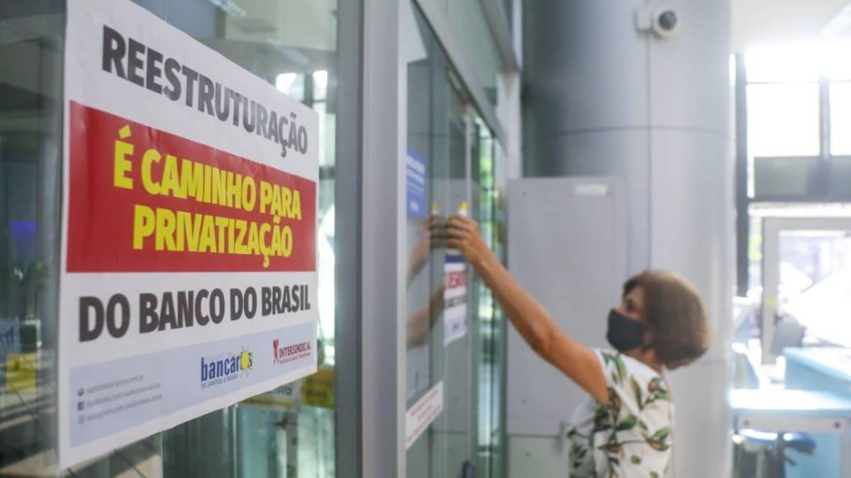 Sindicato organiza bancários dentro das agências na Baixada Santista