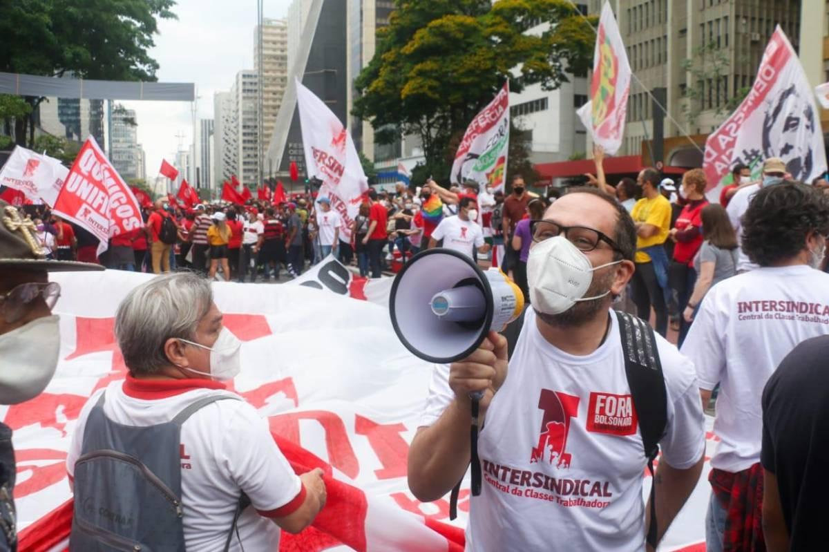 Atos contra Bolsonaro destacam alta do custo de vida