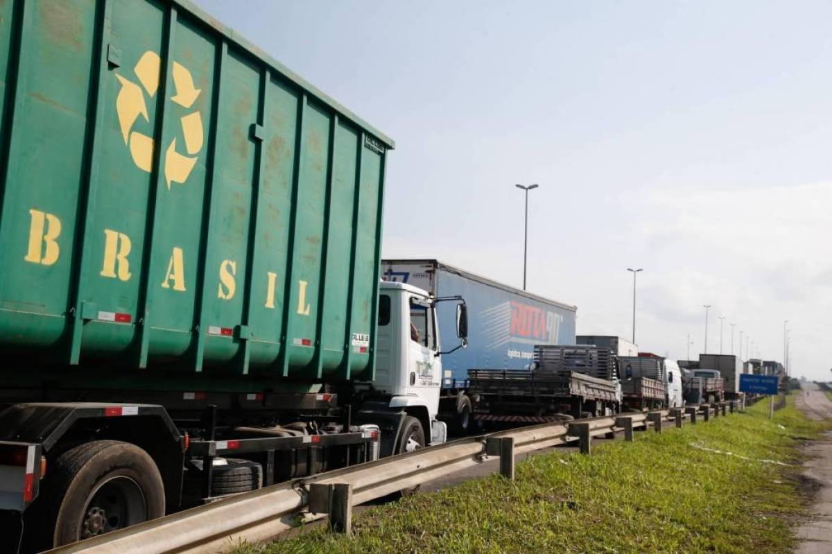 Caminhoneiros ameaçam greve nacional a partir de 1º de novembro