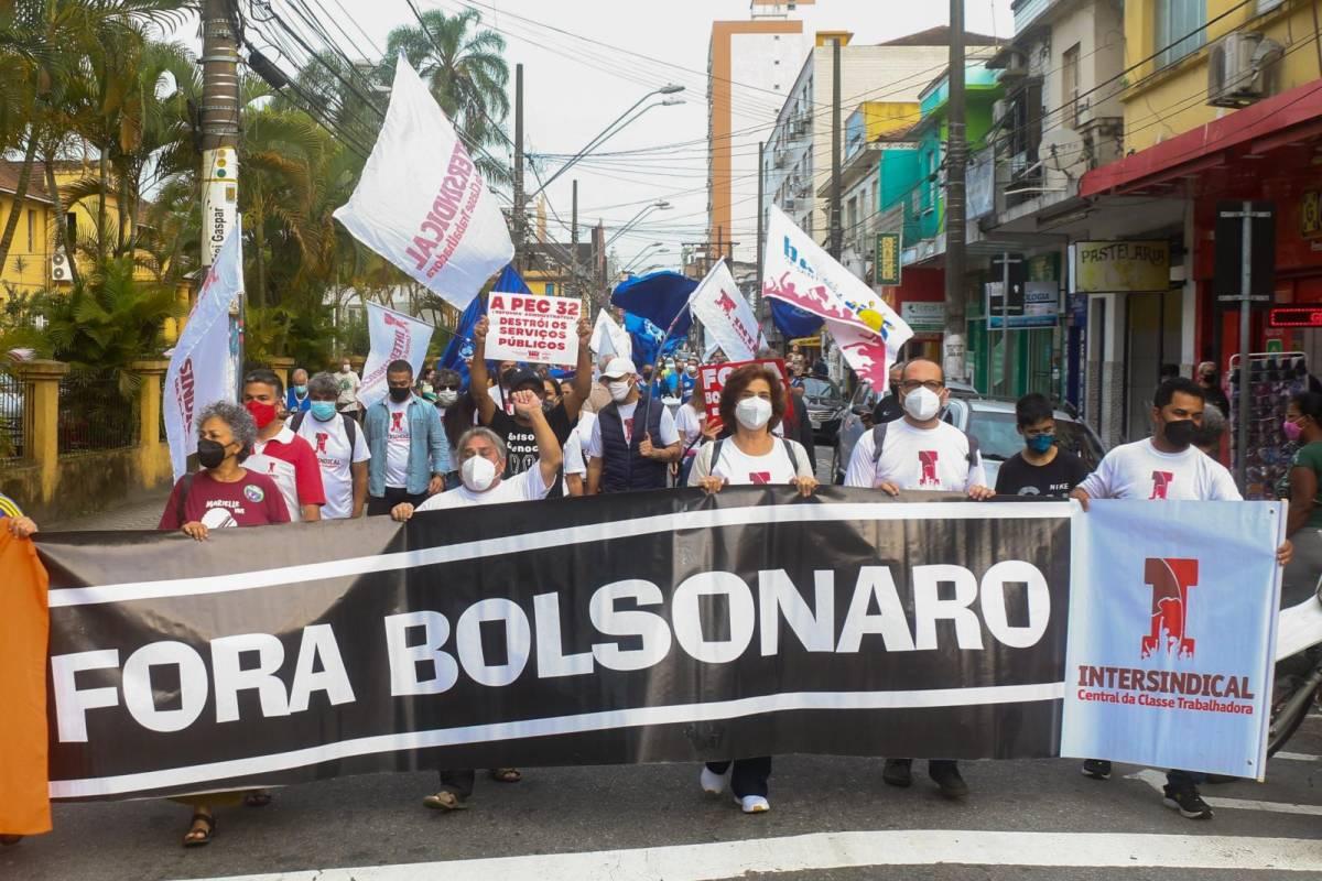 Protesto contra a PEC 32 e pelo Fora Bolsonaro em São Vicente/SP