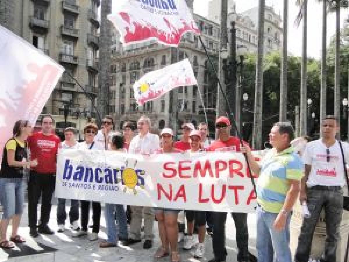 Dia Internacional da Mulher é lembrado com protesto em São Paulo