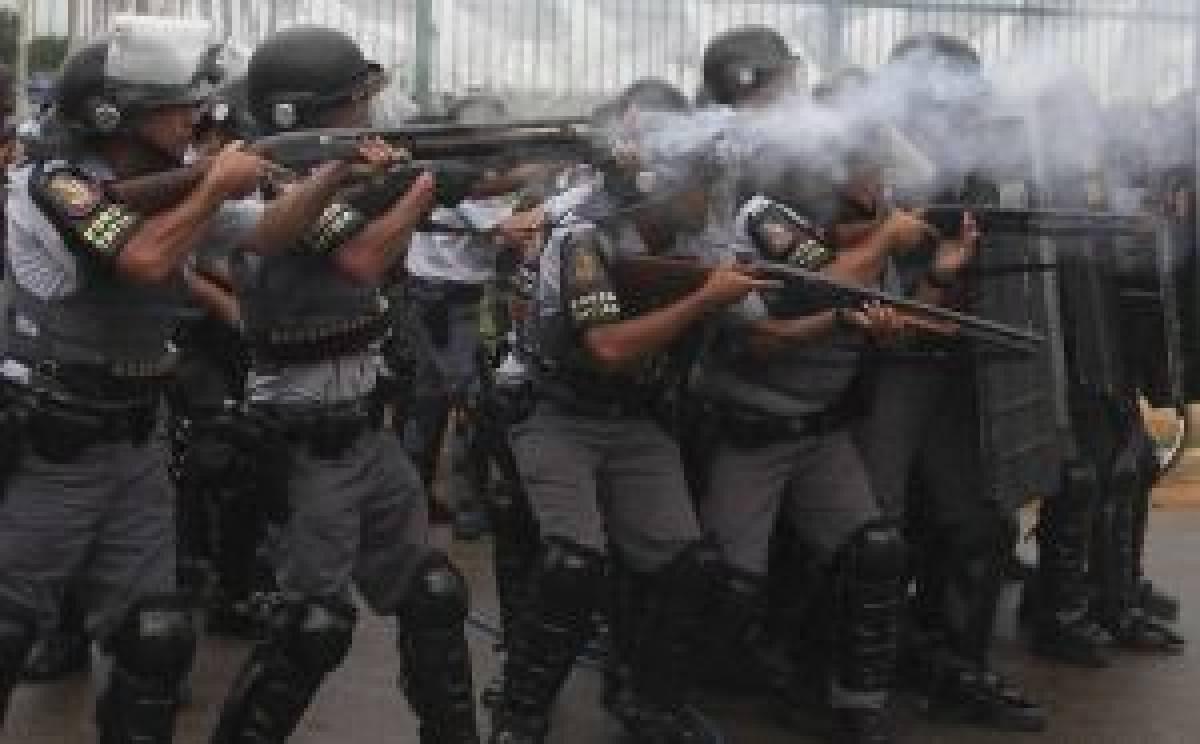 PM invade ocupação do Pinheirinho em São José dos Campos