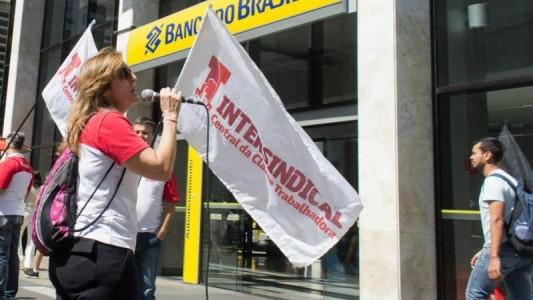 Bancários cobram do Banco do Brasil valorização