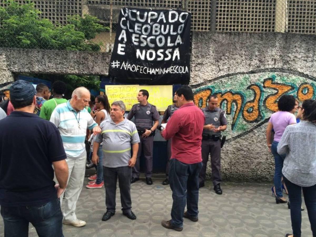 Após 25 dias de protestos, Alckmin suspende 'reorganização'