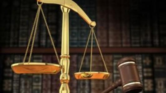 Justiça manda Santander indenizar cliente por empréstimo não autorizado