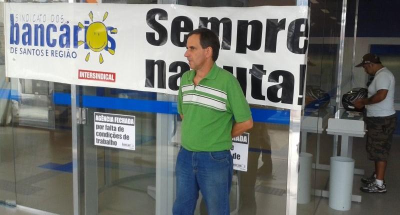 Superintendente da Caixa na Baixada se compromete a solucionar falta de refrigeração
