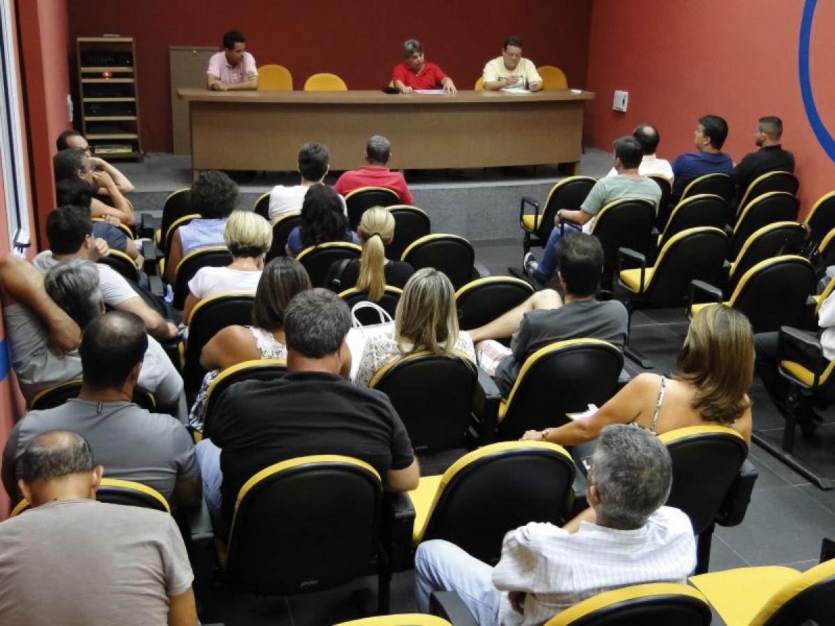 Bancários, jornalistas e trabalhadores de sindicatos elegem delegados para fundar Central Sindical