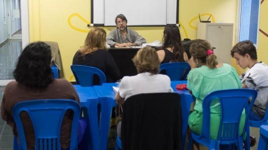Aulas gratuitas de espanhol estão com inscrições abertas