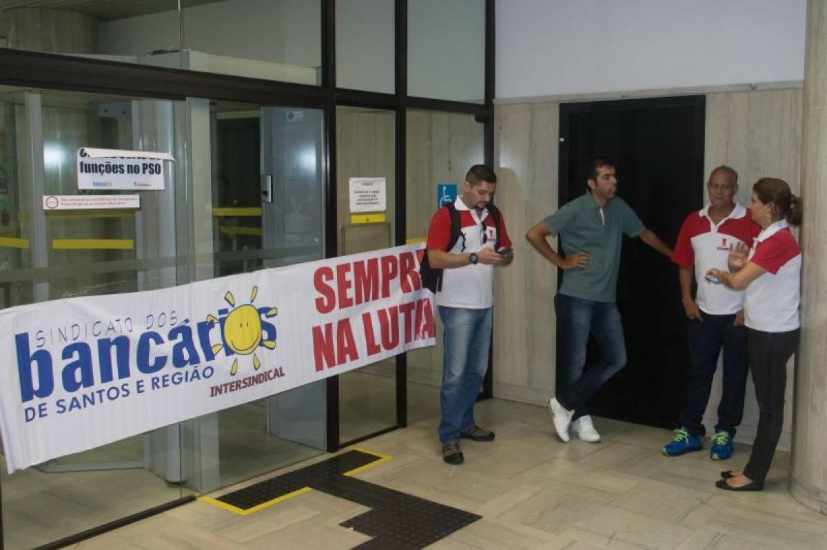 Banco do Brasil é condenado por jornada excessiva