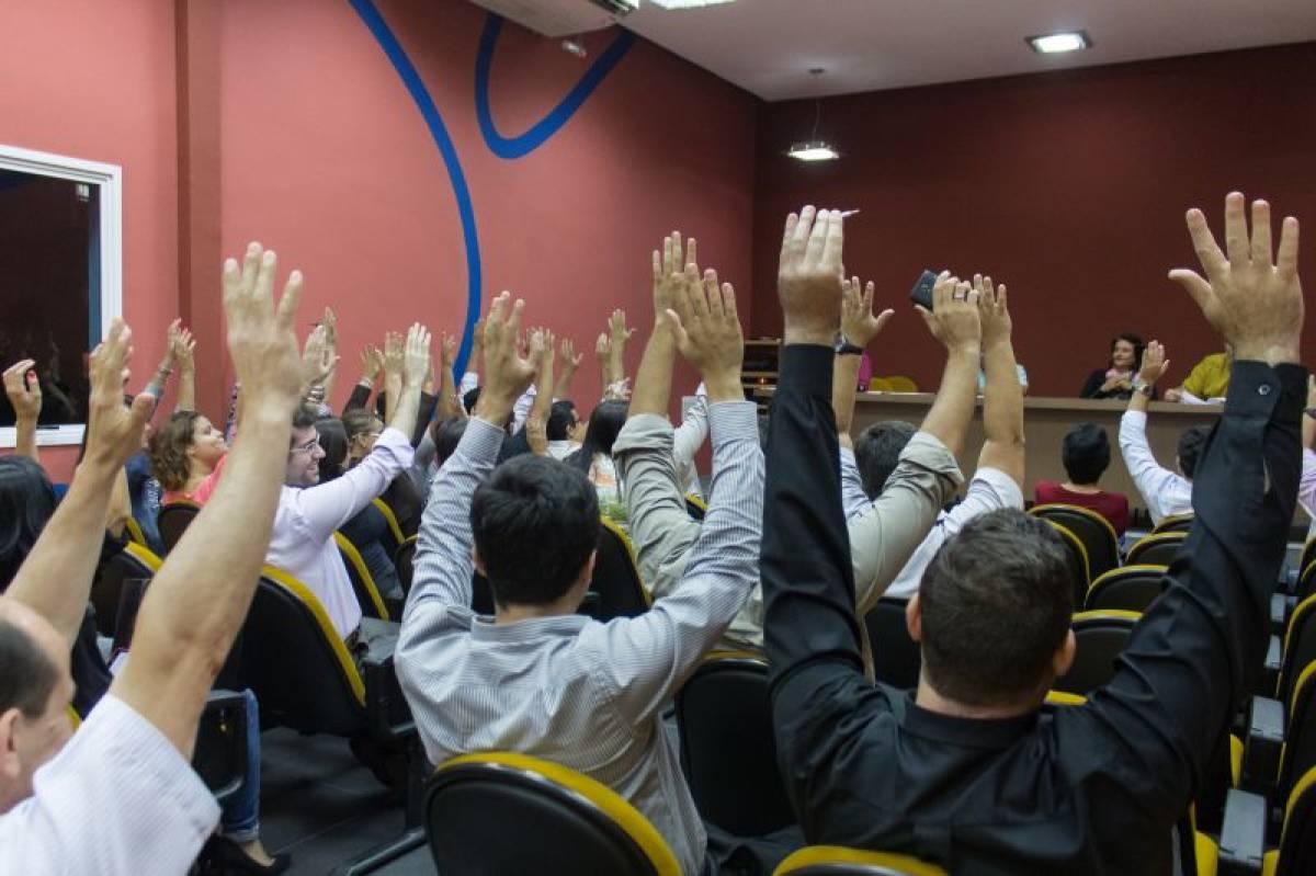 Trabalhadores do BB na Baixada Santista aprovam poder aderir à CCV