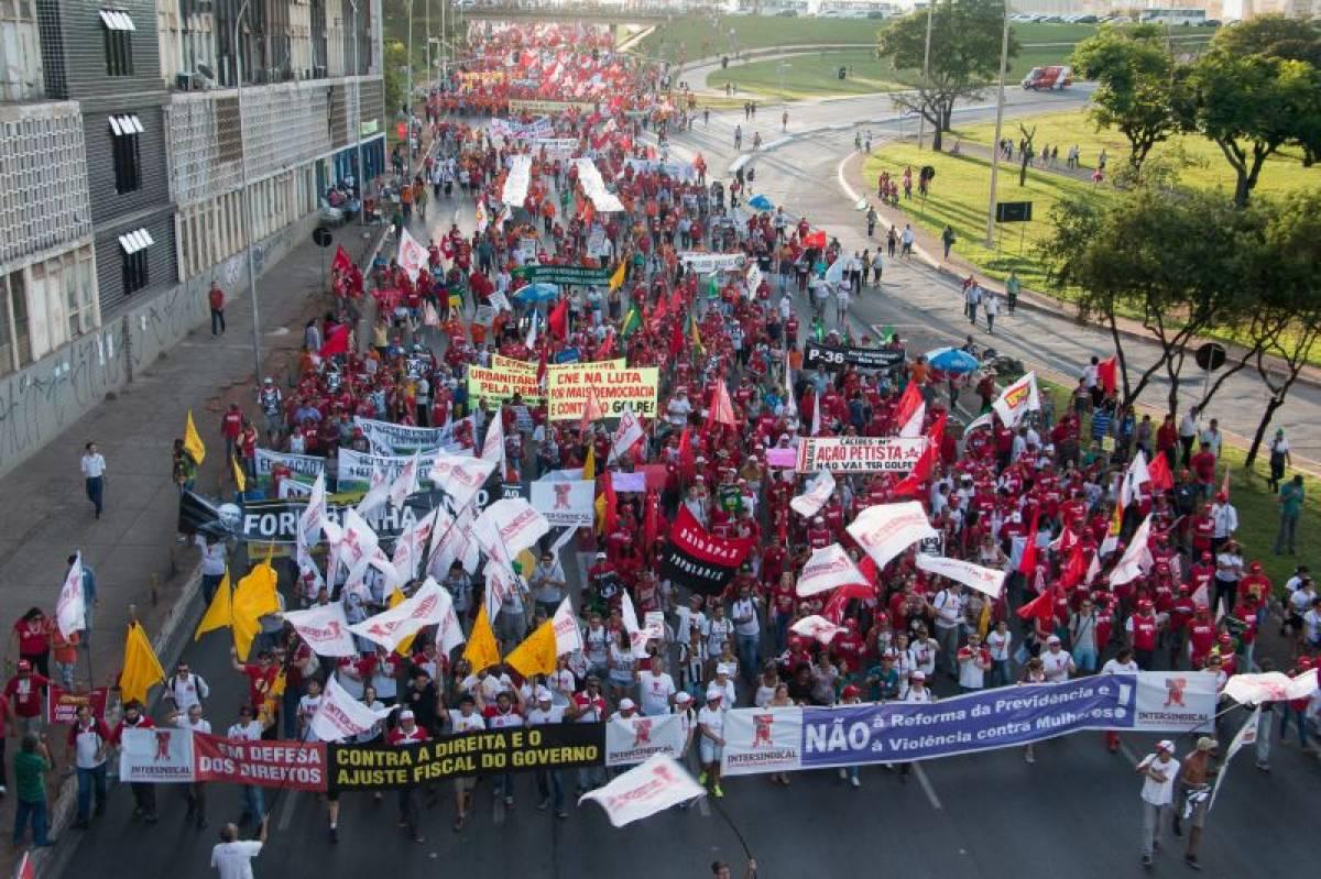 100 mil trabalhadores(as) marcharam nas ruas de Brasília!