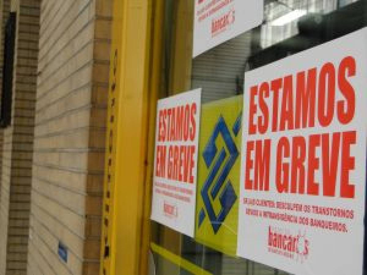 Intransigência dos bancos empurra greve para próxima semana
