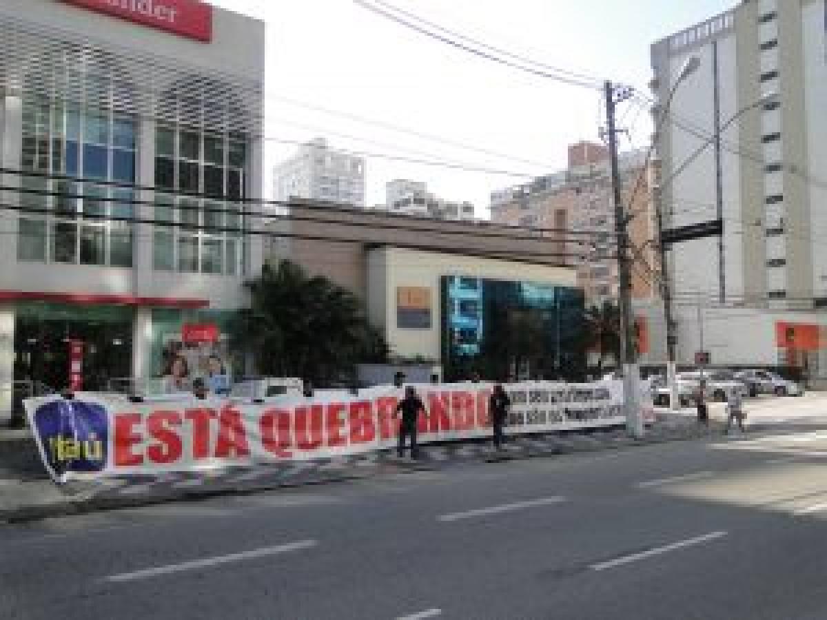 Manifestação dos bancários contra demissões em massa no Itaú atinge objetivo
