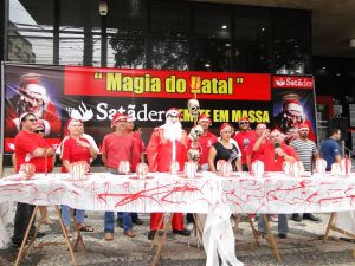 Magia do Natal no Santander é demissão em massa