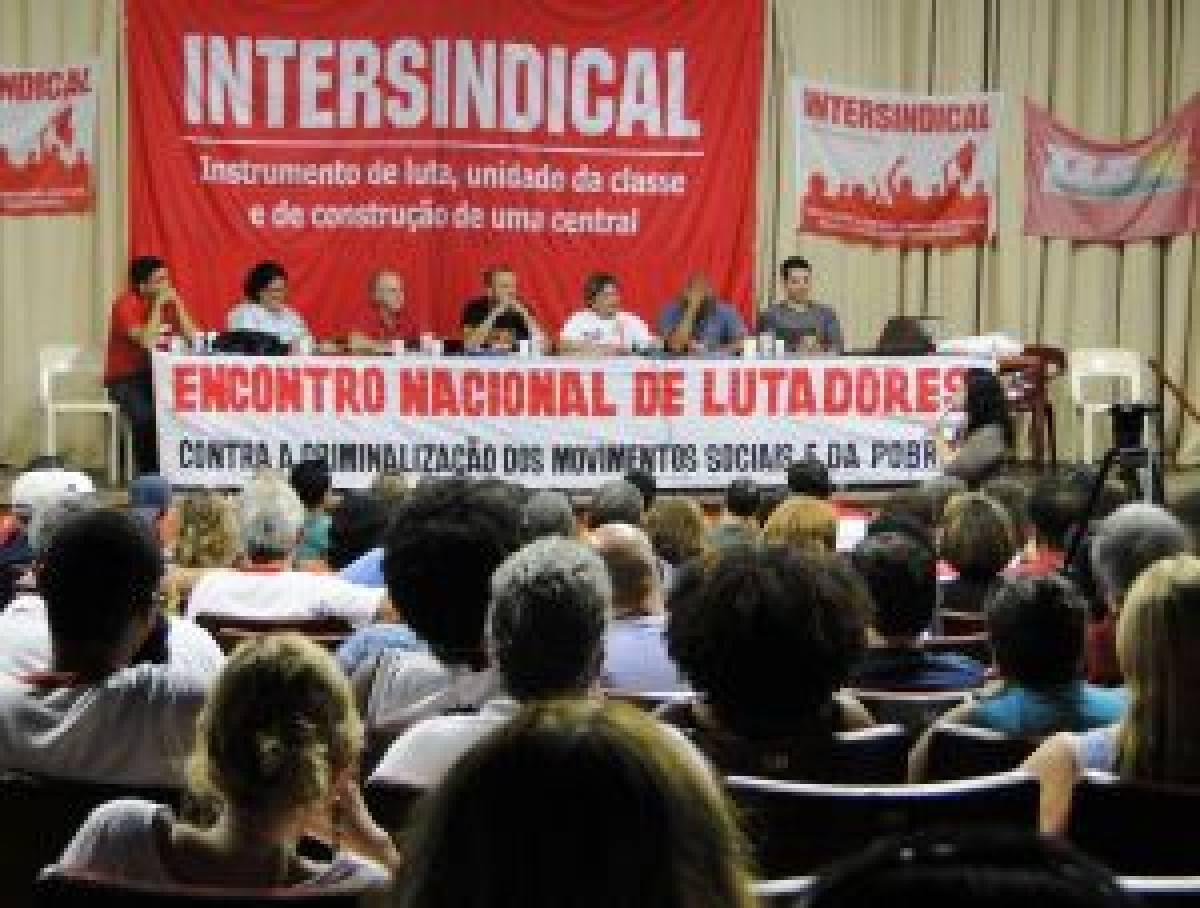 Encontro de Lutadores reúne mais de 500 militantes no RJ