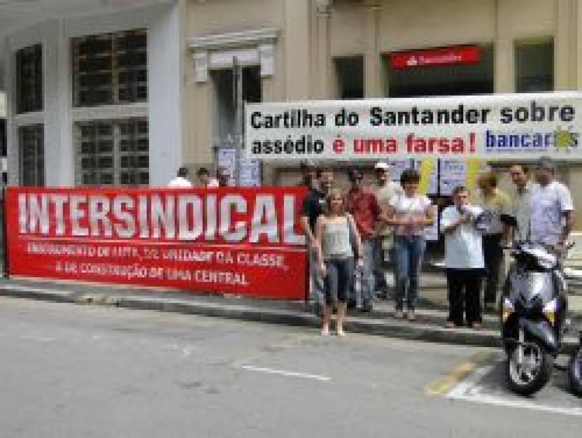 Segundo dia de paralisação no Santander  contra o assédio