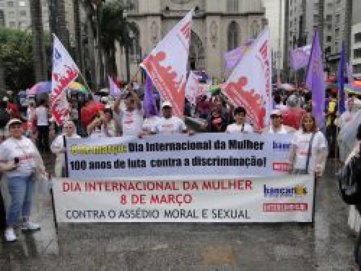 Marcha exige mais direito e igualdade às mulheres