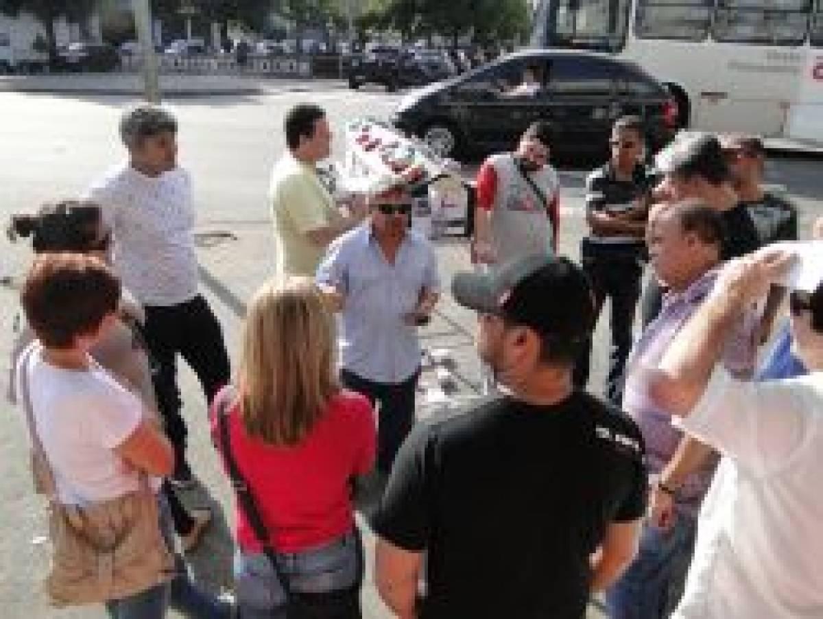 Bancários de Santos paralisam Itaú contra demissões, nesta sexta