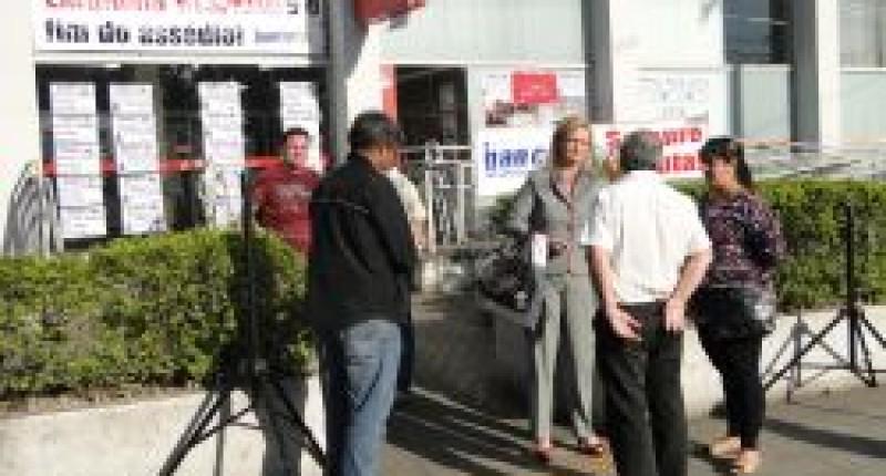 Bancários paralisam Santander/Cubatão contra humilhações