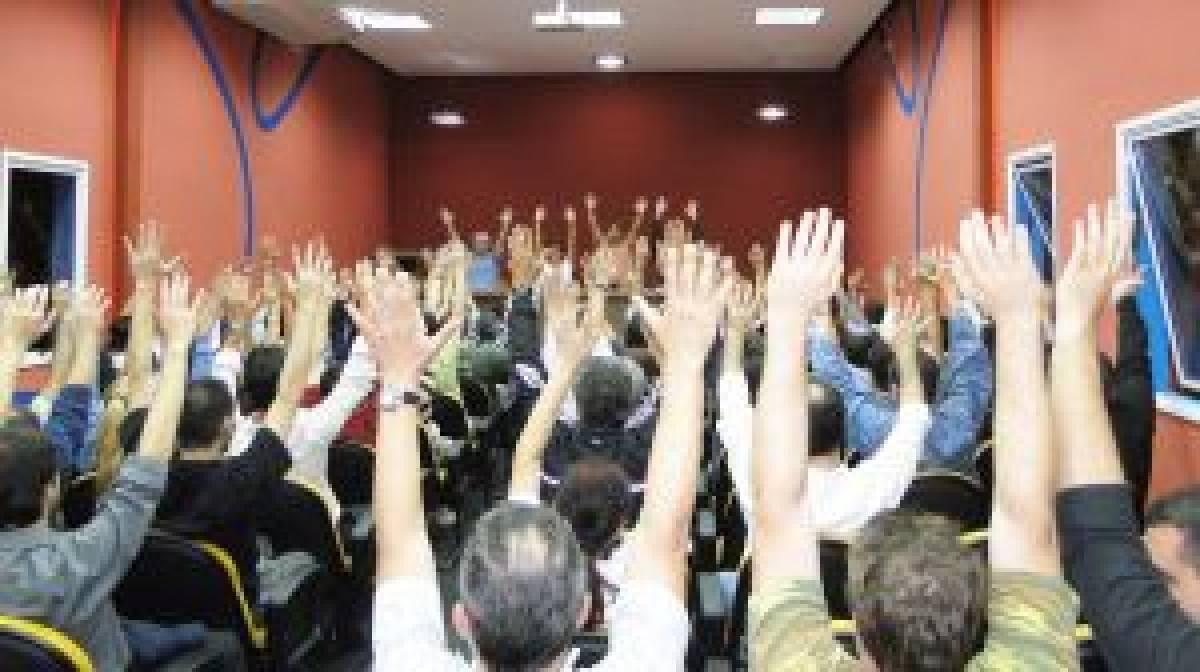 Bancários aprovam greve nacional, dia 27