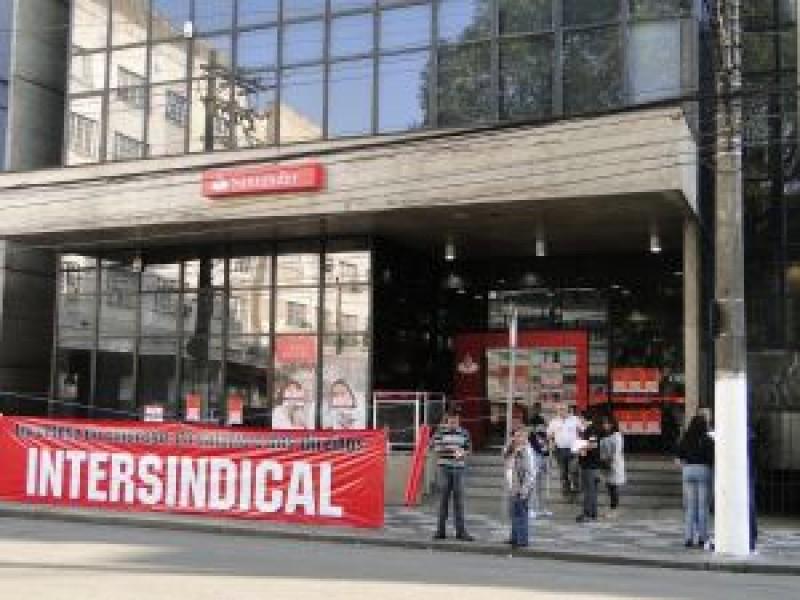 Na Baixada Santista: aumenta a adesão dos bancários à greve