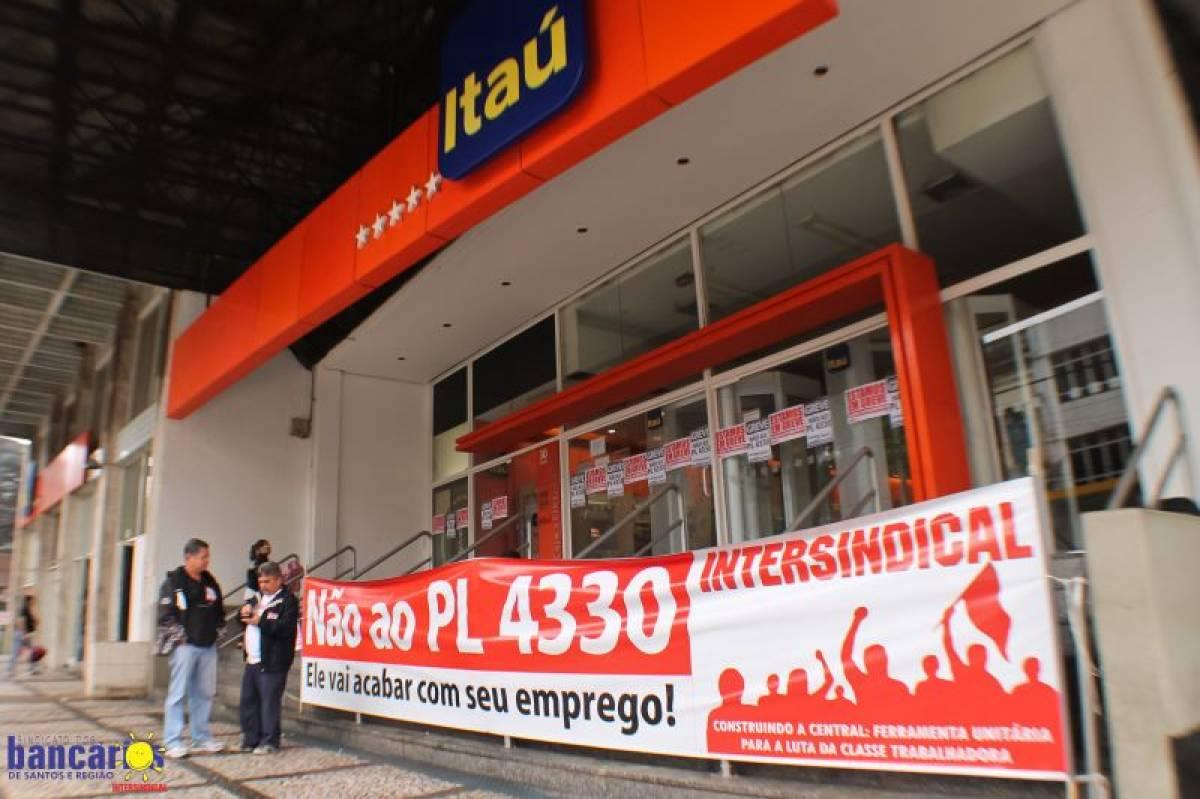 Em Santos, 90% das agências bancárias foram paralisadas