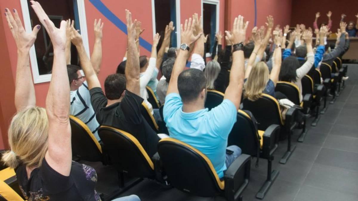 Assembleia na Baixada aprova reivindicações da Campanha Salarial