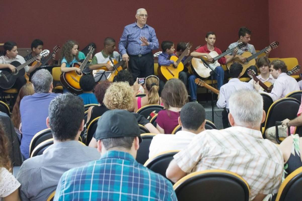 Cordas Bancárias: orquestra pioneira dos bancários apresenta-se no Guarany