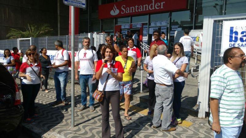 Paralisação Santander em São Vicente
