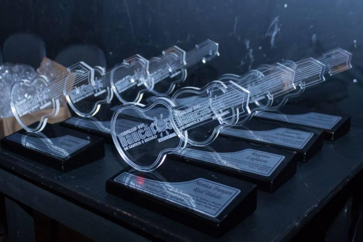 Prêmio Notáveis da Cultura lota Teatro Guarani e homenageia artistas da região