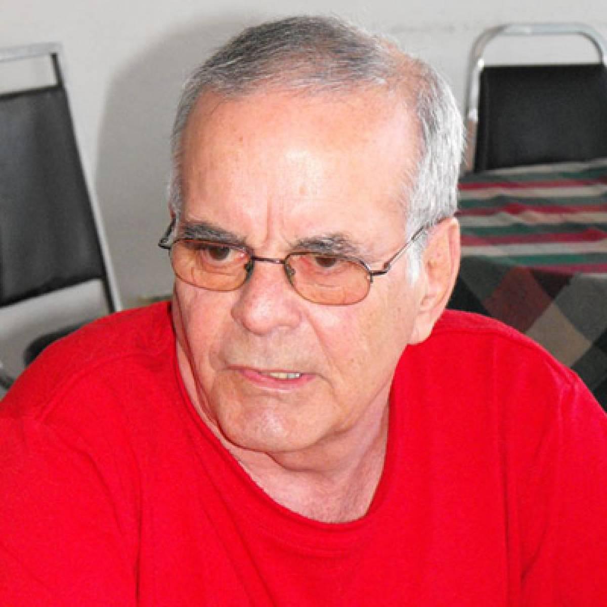 Coordenador da Federação Sindical Mundial debate Cuba, em Santos