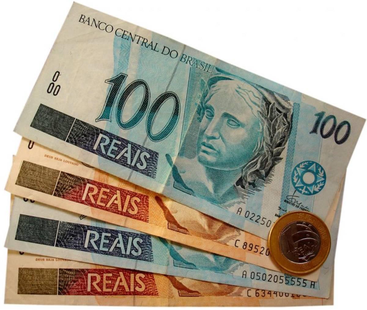 Juros do cheque especial e empréstimo pessoal voltam a subir em março