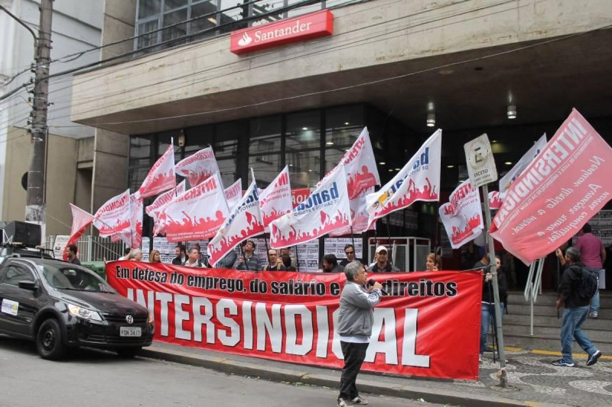 Problemas de emprego no Santander são discutidos no Ministério do Trabalho