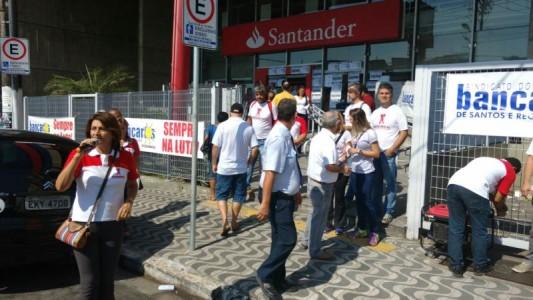 Sindicato paralisa Santander e fiscalizará problemas de assédio e estrutura