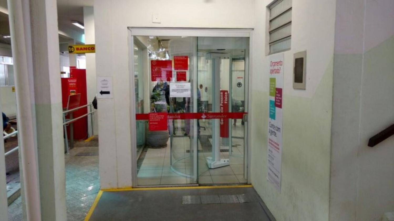 Santander não respeita vida de funcionários e clientes