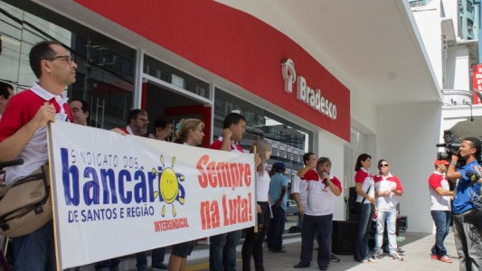 Agência do Bradesco em Santos é multada por exceder tempo de espera