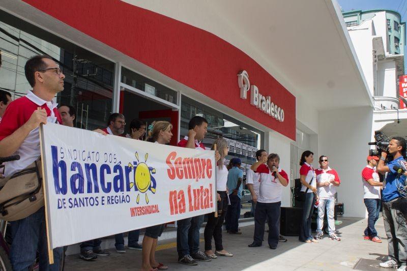 Sindicato apura denúncias contra o Bradesco na Baixada Santista