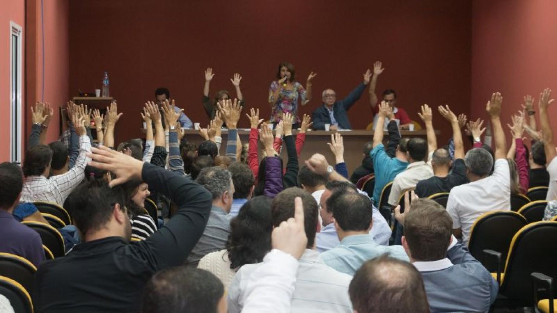 Bancários dos bancos privados, BB e Caixa encerram a greve