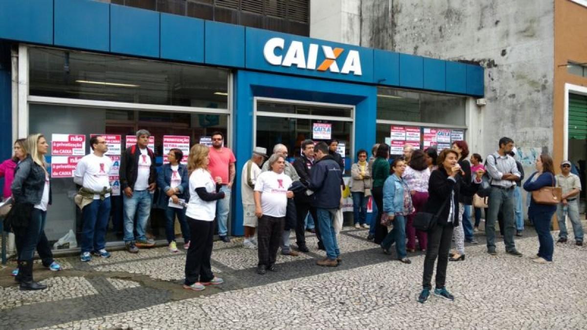 Bancários paralisam Caixa no Dia Nacional de Luta contra privatização