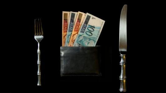 Bancos voltam a elevar juros do cheque especial